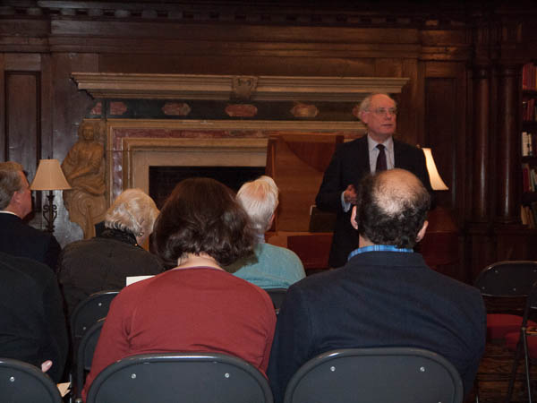 Michael Miller entertains the audience with a joke. Photo Joanna Gabler.