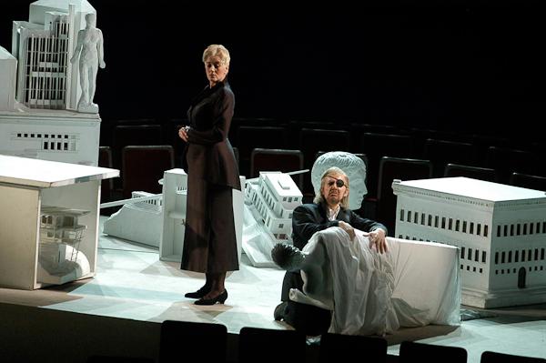 Die Walküre, Act II, Scene 1: Fricka Topples Wotan's Statue. Photo © Mattias Creutziger.