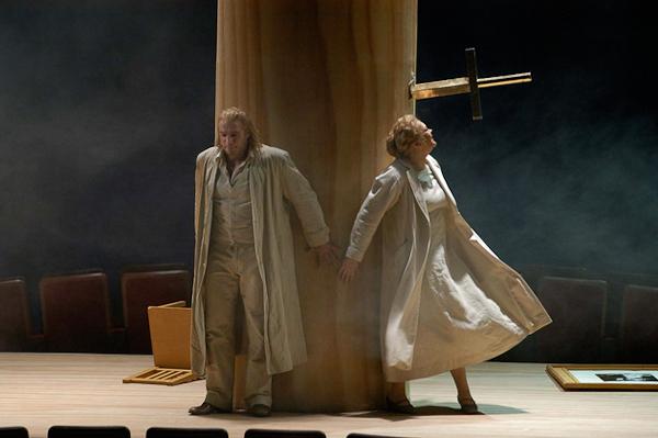 Die Walküre, Act I. Photo © Mattias Creutziger.