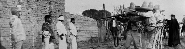 Autore sconosciuto, Esecuzione di Marcelino Martínez, Arcadio Jiménez e Hilario Silva, Chalco, 28 aprile 1909. Fondo archivio Casasola. SINAFO-Fototeca nacional dell'INAH © CONACULTA/INAH, Sistema