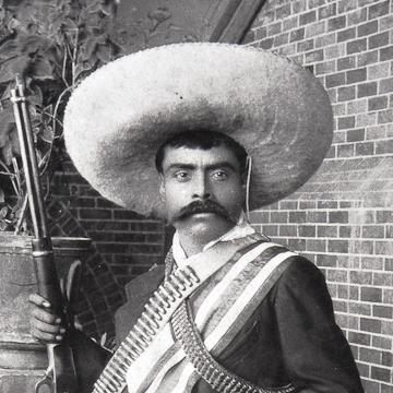 Autore sconosciuto (attribuita a Casasola)  Zapata con fucile, fascia e sciabola, Cuernavaca, 1915 ca.