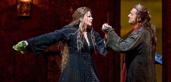 Susan Graham and Plácido Domingo in Gluck's Iphigénie en Tauride. Photo Ken Howard/Metropolitan Opera.