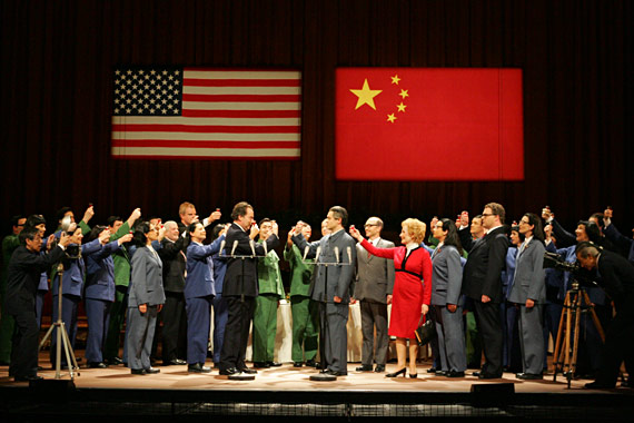 Nixon (James Maddalena), Mao (Robert Brubaker), Chou En-lai (Russell Braun) and Pat Nixon (Janis Kelly) share a toast.