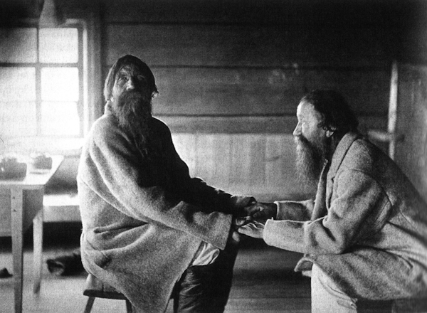 Brothers Poavila and Triihvo Jamanen reciting traditional Finnish folk poetry in the village of Uhtua (Kalevala), present-day Republic of Karelia, Russia, 1894.