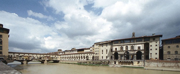 The Uffizi in context from across the Arno.