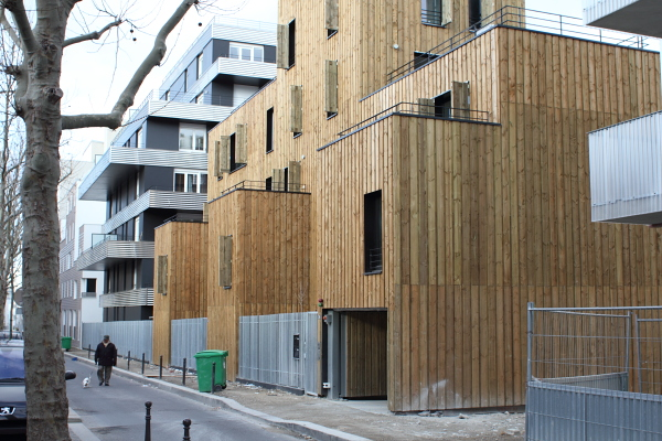Logements (Rousselle & Laisné Architectes), rue Rebière, Paris. Photo © 2012 Alan Miller.