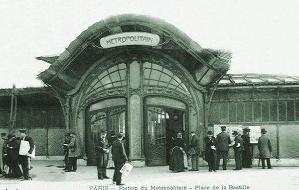 Station de Métro, Bastille de Hector Guimard (1900, supprimée 1962).