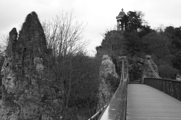 Parc des Buttes-Chaumont, mid-February. Photo © 2012 Alan Miller.