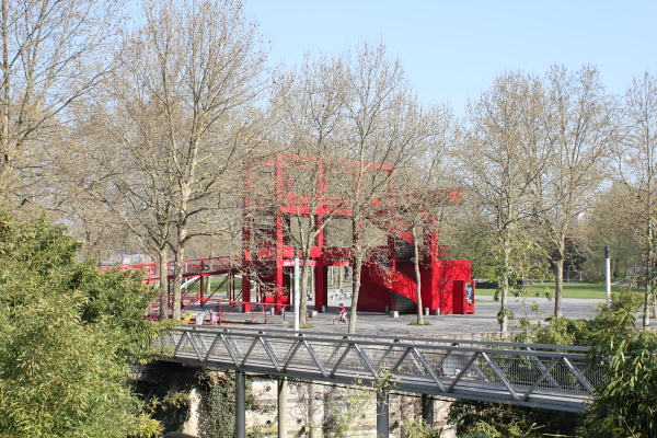 Parc de la Villette, late March. Photo © 2012 Alan Miller.