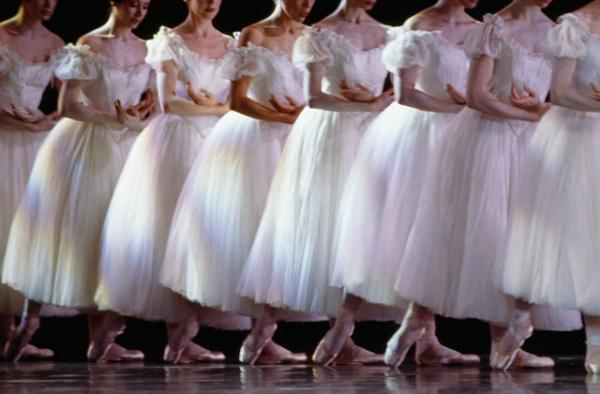 The Paris Opera Ballet dance Giselle. Photo: Ballet de L'Opéra de Paris.