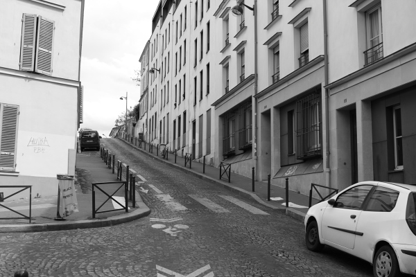 Rue Gasnier-Guy, the steepest street in Paris. Photo © 2012 Alan Miller.