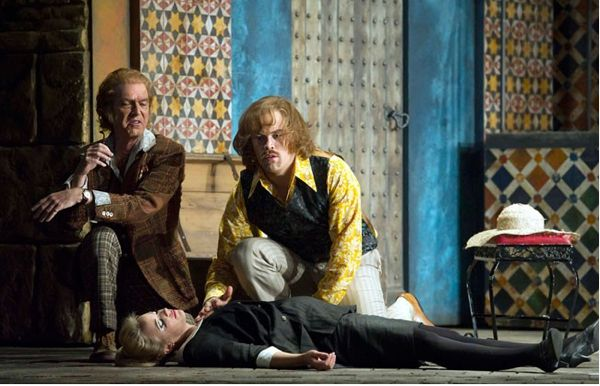 Don Basilio (Alan Oke), Count (Audun Iversen) and Susanna (Lydia Teuscher). Photo by Alastair Muir.