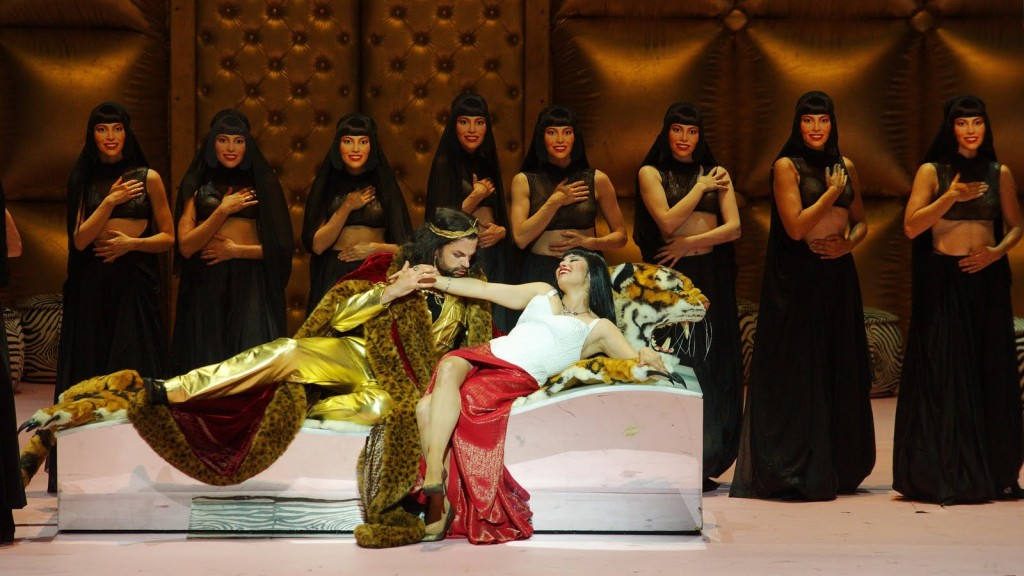 A scene from L'Italiana in Algeri at L'Opéra de Paris with Vivica Genaux