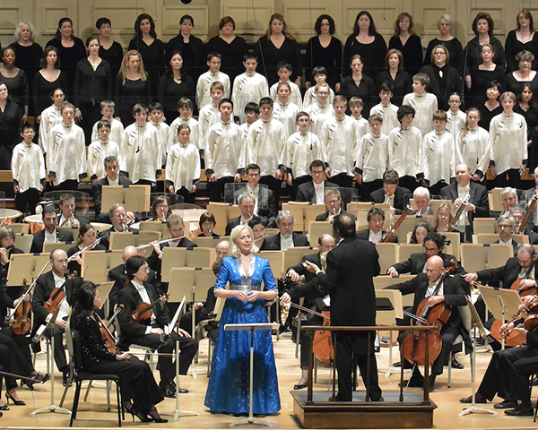 Daniele Gatti conducting the BSO with mezzo-sopano Anne-Sofie von Otter and the Tanglewood Festval Chorus in Mahler's Symphony No. 3. Photo: Stu Rosner.