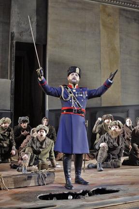 Agamemnon (Maxim Kuzmin-Karavaev). Photo Cory Weaver.