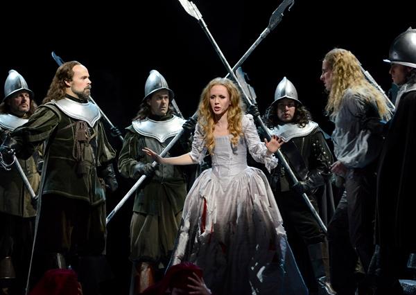 Troy Cook and Sarah Coburn in The Boston Lyric Opera's production o Bellini's f I Puritani. Eric Antoniou for Boston Lyric Opera © 2014