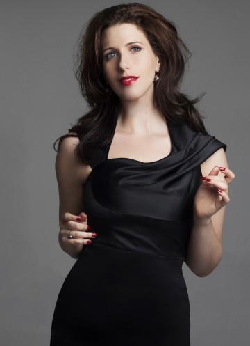 Soprano Ellie Dehn