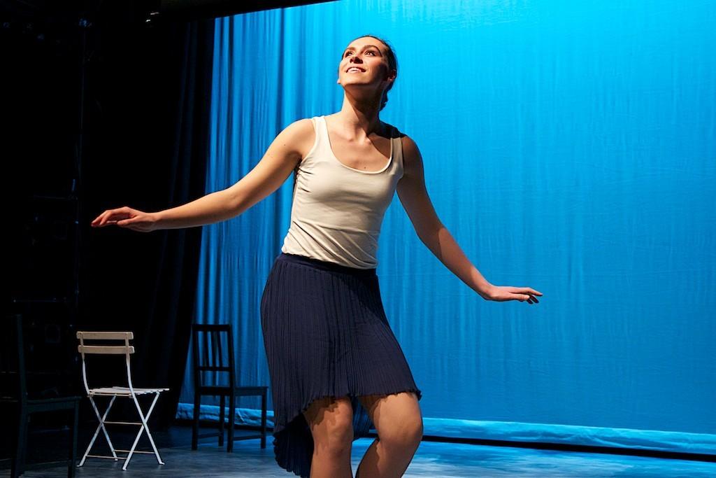 Chloe Hawkey, dancer. Photo Joe Ritter.