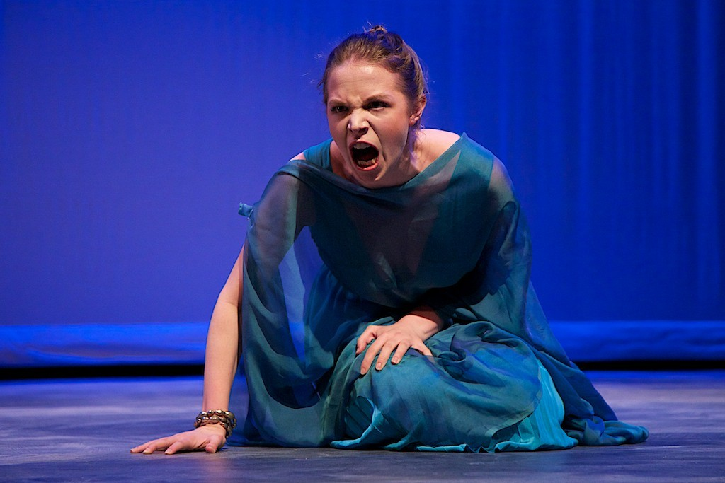 Elizabeth Heintges as Creusa. Photo Joe Ritter.