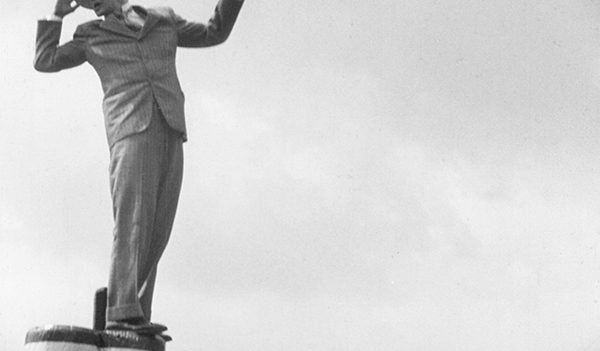 Joseph Cotten in distress