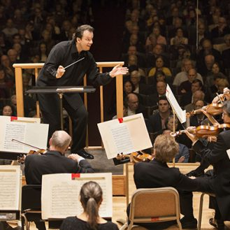 Andris Nelsons conducts the BSO. Photo: Marco Borggreve.