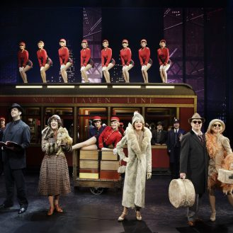 Bullets over Broadway - Cast. Photo Paul Kolnik.