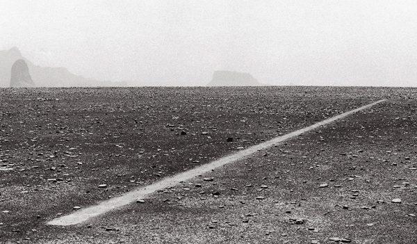 Richard Long, Dusty Boots Line, 1988