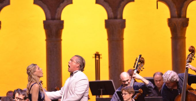 Georgia Jarman and Stephen Powell in Rigoletto