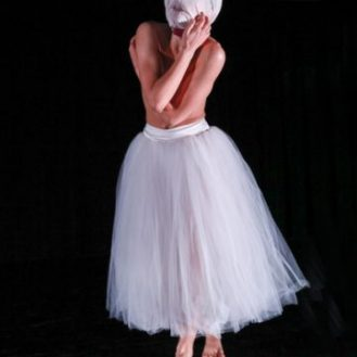 Photo: Harkness Dance Festival: New York Theatre Ballet Martha Clarke's Nocturne (1994). Photo © 2017 Richard Termine.