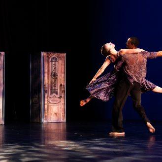 The Amanda Selwyn Dance Theater in Crossroads. Photo Hayim Heron.