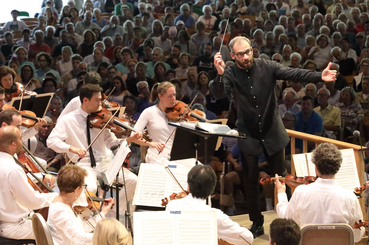 Dima Slobodeniouk leads this Boston Symphony Orchestra at Tanglewood, 2019. Photo Hilary Scott.