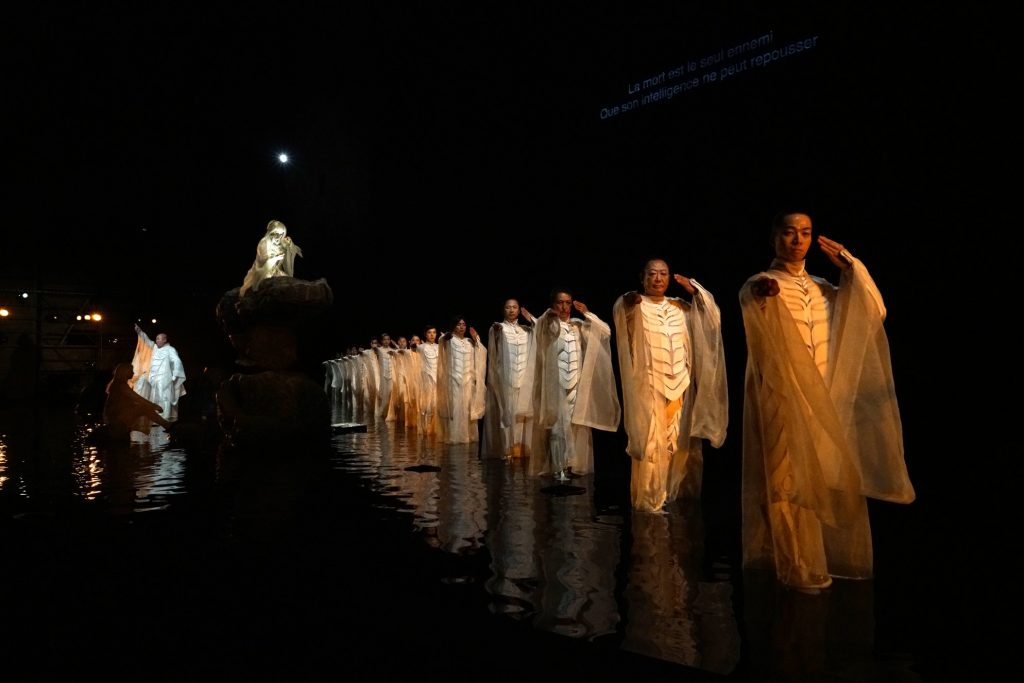 "Satoshi Miyagi's ""Antigone"" at the 2017 Festival d'Avignon, Cour d'Honneur du Palais des Papes. A Production of Shizuoka Performing Arts Center (SPAC). Photo © Ryota Atarashi."