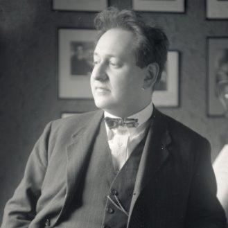 Erich Wolfgang Korngold in 1927, the year of Heliane's Premiere. Photo Hermann Brühlmeyer.