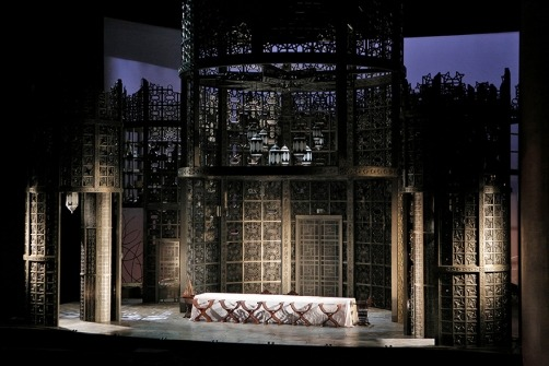 "Rob Howell's Carousel Set for ""Le nozze di Figaro"""